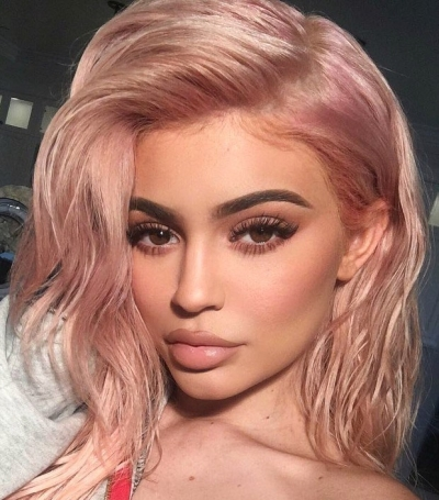 kylie-jenner-tendencia-para-cabelo-2019-rose-gold-beauty-hits